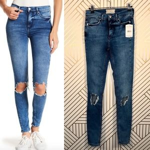 Free People Busted Knee Skinny Jeans in Turquoise